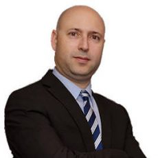 toronto-immigration-lawyer-Ronen-Kurzfeld